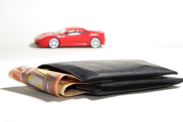 auto a peněženka