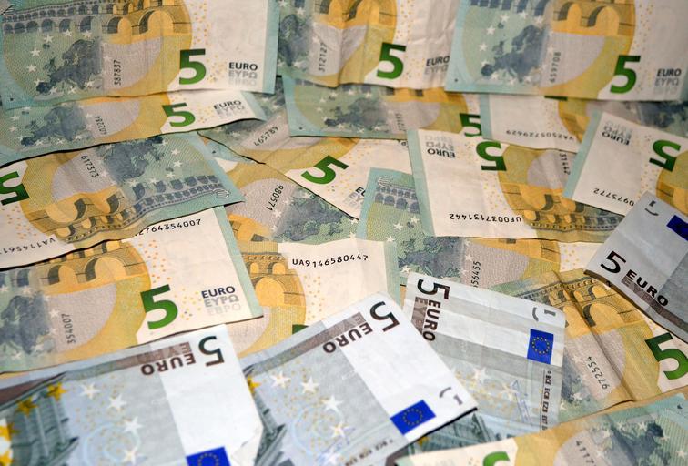 pětieurové bankovky